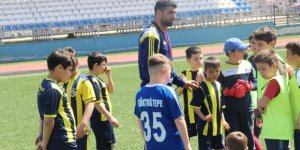 Alt Yapı Fenerbahçe Futbol Okulu'nda Yetişiyor
