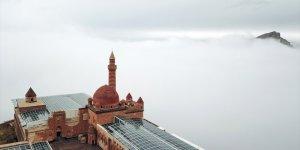 'İshak Paşa Sarayı' Büyülüyor
