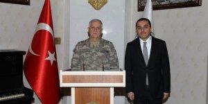Kara Kuvvetleri Komutanı Dündar Kars'ta