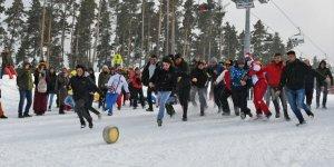 Karda 'Kaşar Yuvarlama' Yarışı