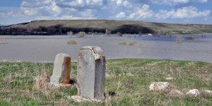 Kars'ta Rus 'Anıt Mezar'lar Bulundu
