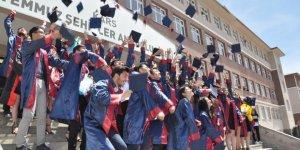Liseliler İçin Mezuniyet Töreni