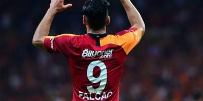 Falcao'dan Maç Sonu 3'lüsü