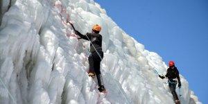 """Erzurum'da """"Buz Tırmanış"""" Şampiyonası"""