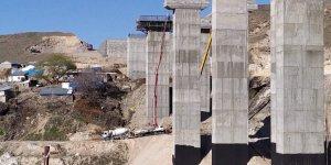 Karakurt Köylüsü 'Viyadük' İnşaatını Durdurdu
