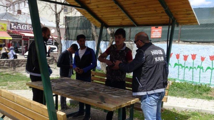 Kars'ta okul önleri emin ellerde