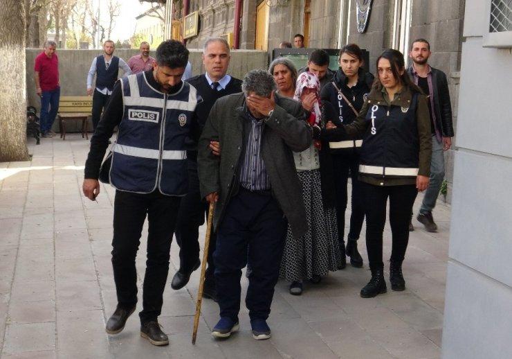 Kars'ta 'Büyücü' Çetesine Operasyon