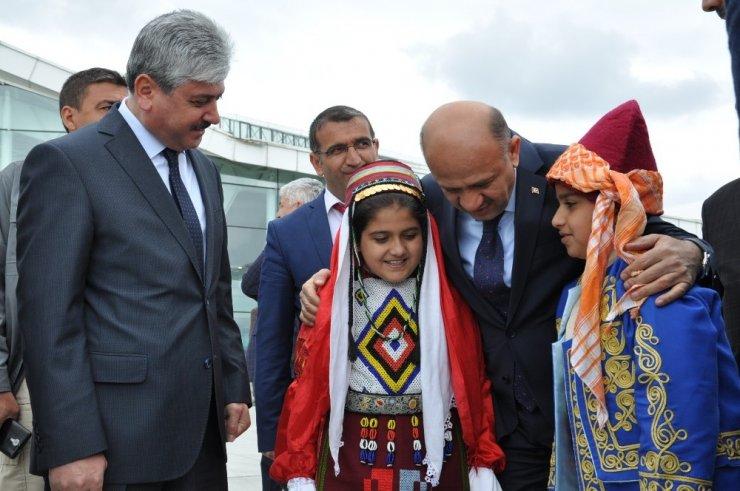 Başbakan Yardımcısı Işık Kars'ta