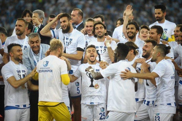 Erzurumspor Süper Lig'e Yükseldi