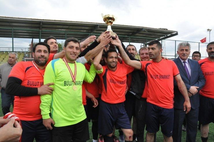 Kars'ta Kurumlararası Futbol Turnuvası Sona Erdi