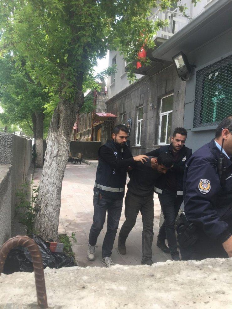 İnşaat Malzemesi Çalan Hırsızlar Yakalandı