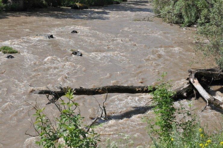 Sağanak Yağış ve Sel Hayatı Olumsuz Etkiliyor!
