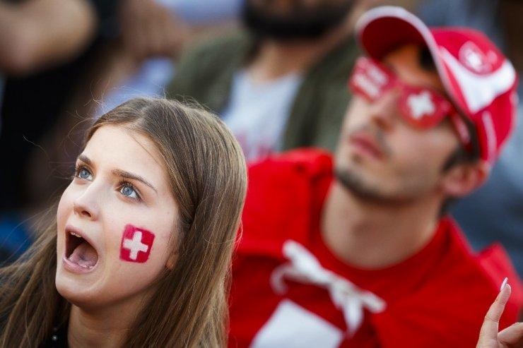 İsviçre, Beraberlikle Turladı