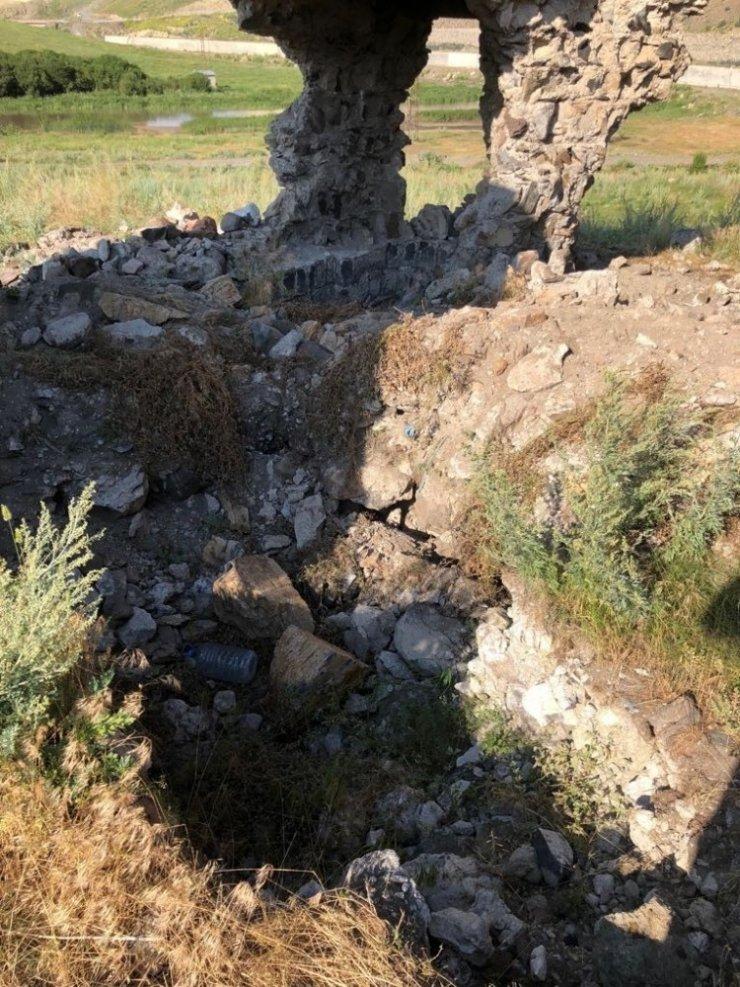 'Tarihi Kilise' Tahrip Edildi