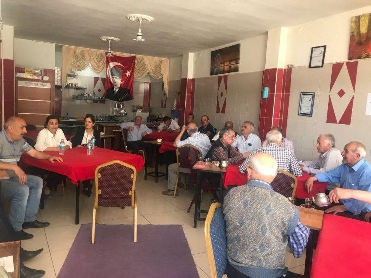 Kahvehanelerde 'Kadına Yönelik Şiddet' Toplantısı