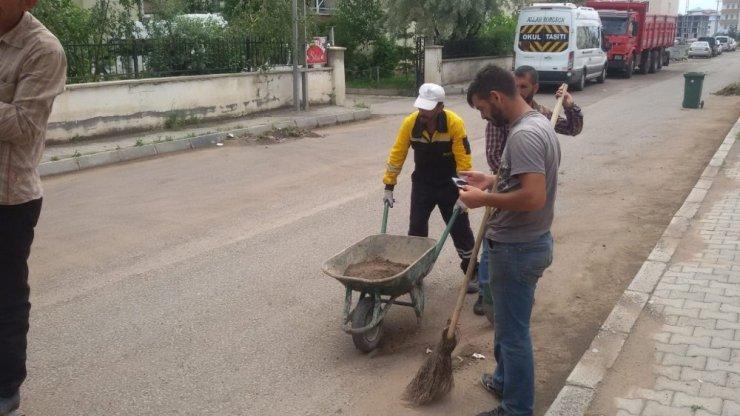Kars'ta Sokak ve Caddeler Temizleniyor