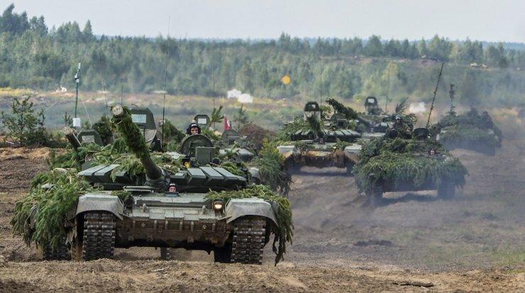 Rus Ordusu 'Uydu'dan Tatbikat Yapıyor