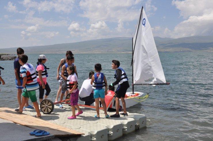 Çıldır Gölü'nde Yelkenci Yetişecek