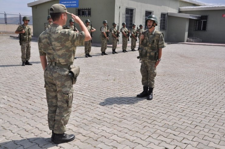 Kurban Bayramı'na 'Sınır'da Girdiler