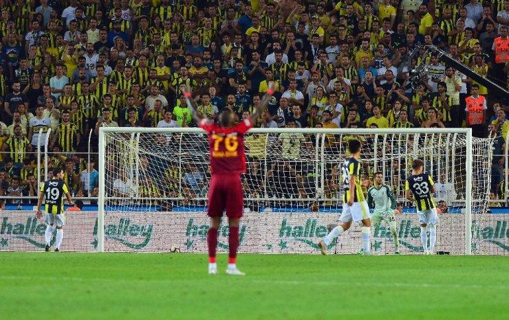 Fenerbahçe Evinde Yıkıldı