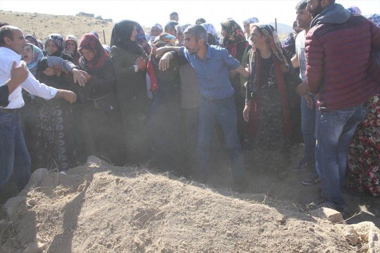 Sedanur'un Cenazesi Toprağa Verildi