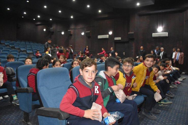 Kars'ta Öğrenciler Sinemayla Buluştu