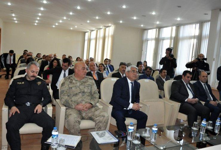 Kars Valisi Öksüz'ün İlk Toplantısı
