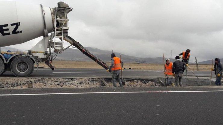 'Kars-Digor, Iğdır Yolu'nda Çalışmalar Devam Ediyor