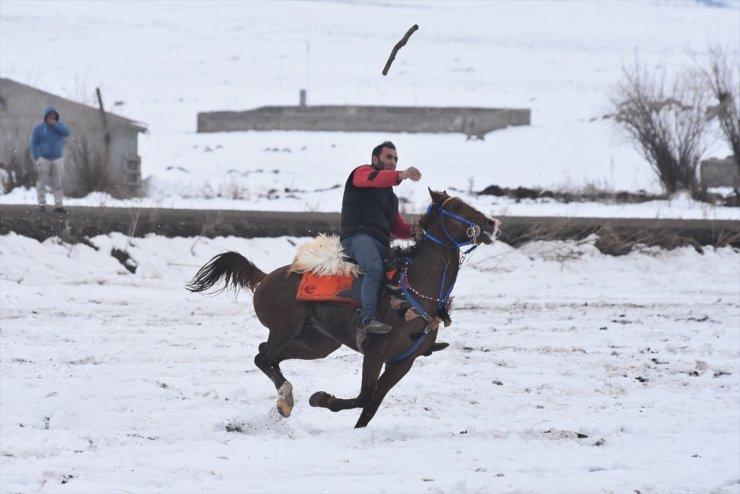Kars'ta Sezonun İlk 'Cirit' Oyunu