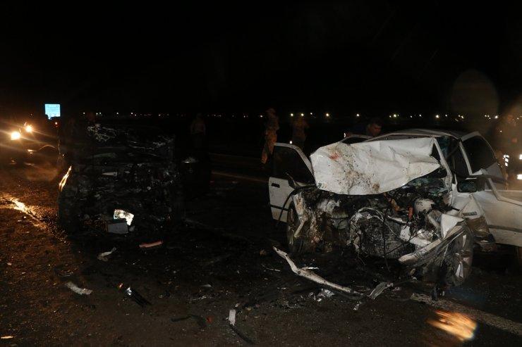 Iğdır'da İki Otomobil Çarpıştı: 7 Yaralı