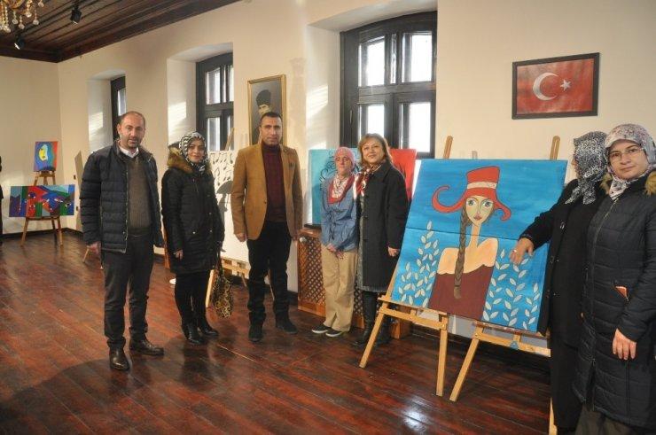 Kars'ta 'İçimizdeki Renkler' Sergisi