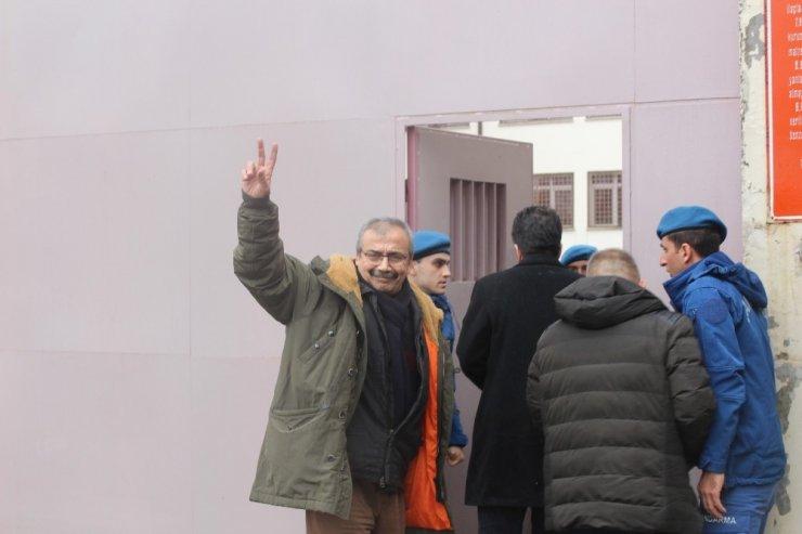 Hapis Cezası Onanan Sırrı Süreyya Önder: