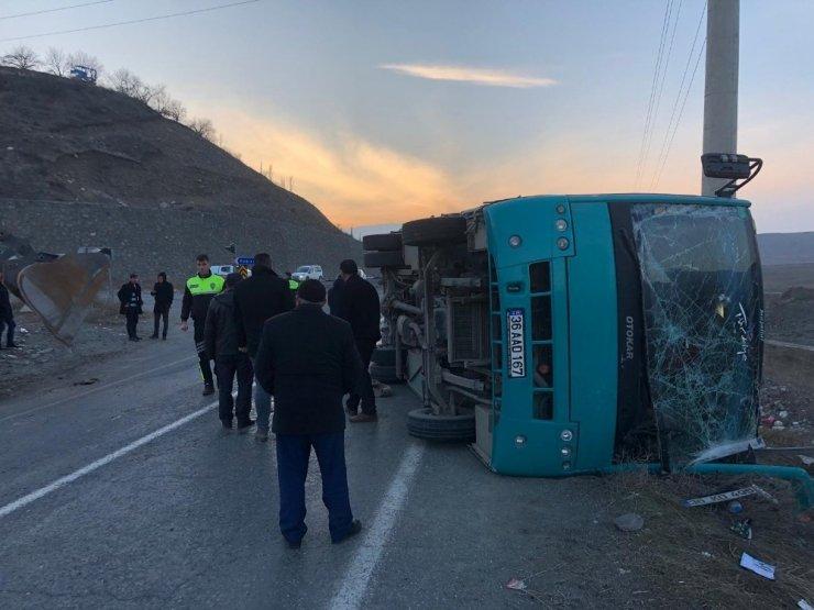Kağızman'da Öğrenci Servisi Kaza Yaptı