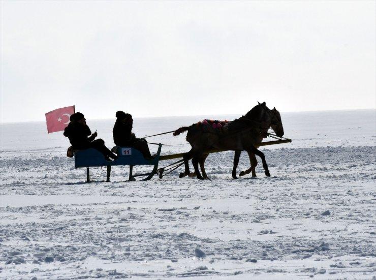 Çıldır Gölü'nde 'Kış Şöleni'