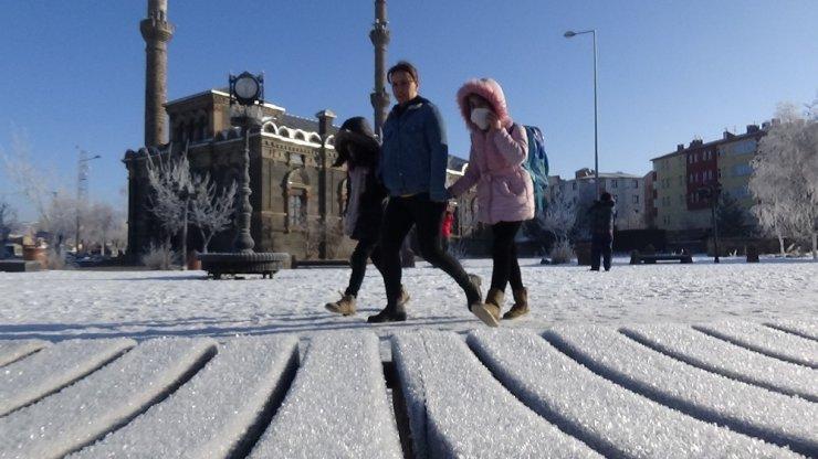 Kars'ta Dondurucu Soğuklar