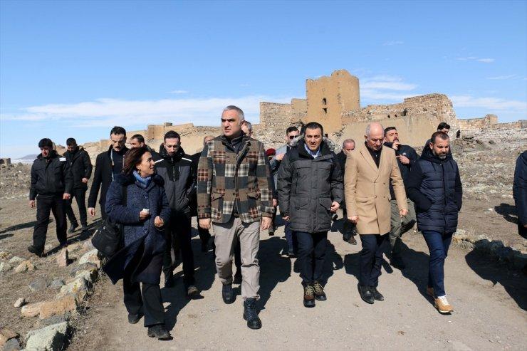 Bakan Ersoy Kars'ta İncelemelerde Bulundu