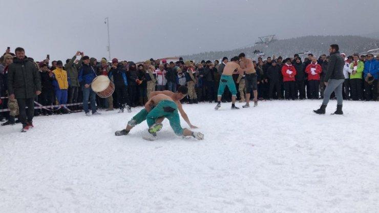 'Kış Oyunları Festivali'nde Güreş