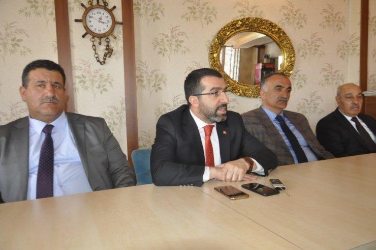 AK Parti'li Adaylar Basınla Buluştu