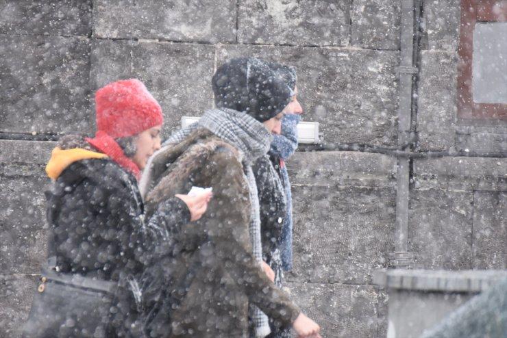 'Bölge'de Yoğun Kar Yağışı ve Tipi