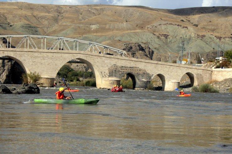 'Palu Köprüsü' Yıllara Meydan Okuyor