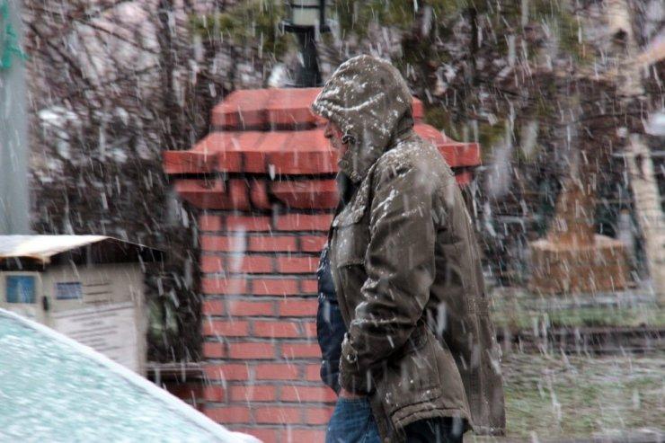 Nisan'da Ardahan'da Kar Sürprizi