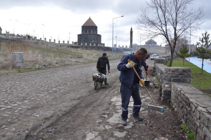 Kars Belediyesi'nden Bahar Temizliği