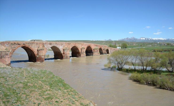 721 Yıllık 'Çobandede Köprüsü'
