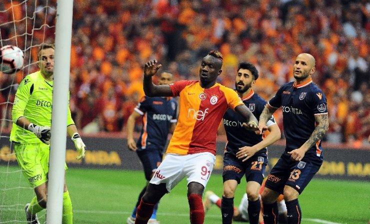 Galatasaray Şampiyonluğu İlan Etti
