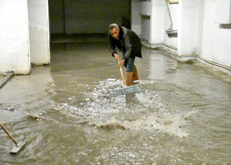 Sarıkamış'da Sağanak Yağış ve Dolu
