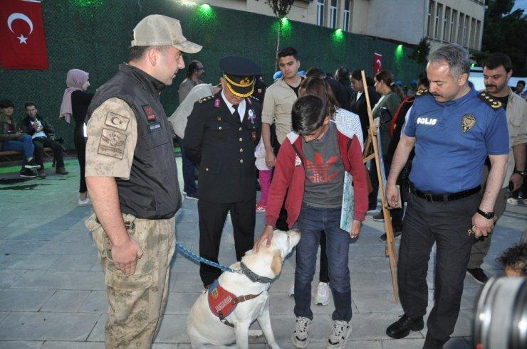 Jandarma'nın 'Tanıtım Standı'a Yoğun İlgi