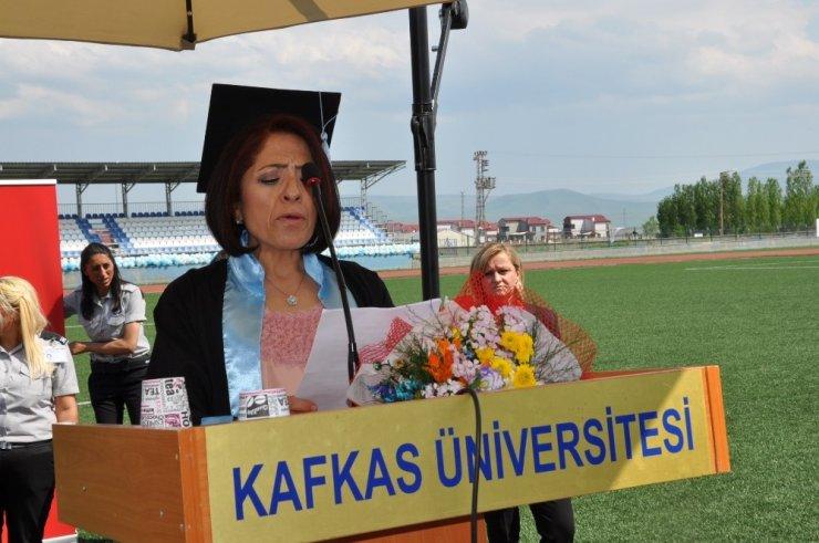 '3 Çocuk Annesi Avukat'ın Eğitim Başarısı