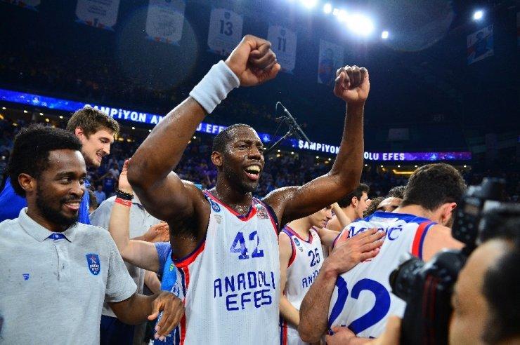 'Anadolu Efes' Şampiyon Oldu