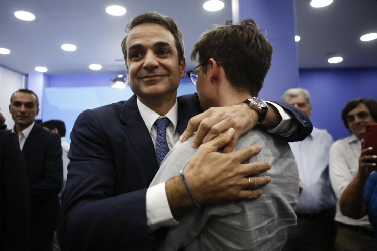 Yunanistan'daki Seçimin Galibi Miçotakis