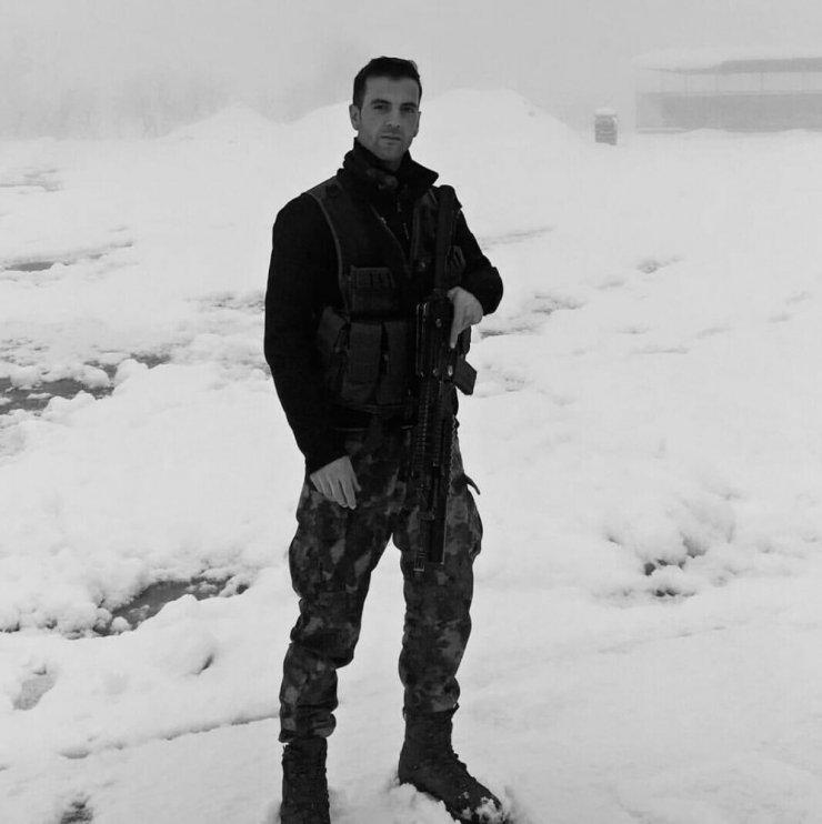 Yaşamını Yitiren Polis Memuru Toprağa Verildi